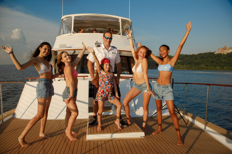 Boating is fun with a Mega yacht in Alpine