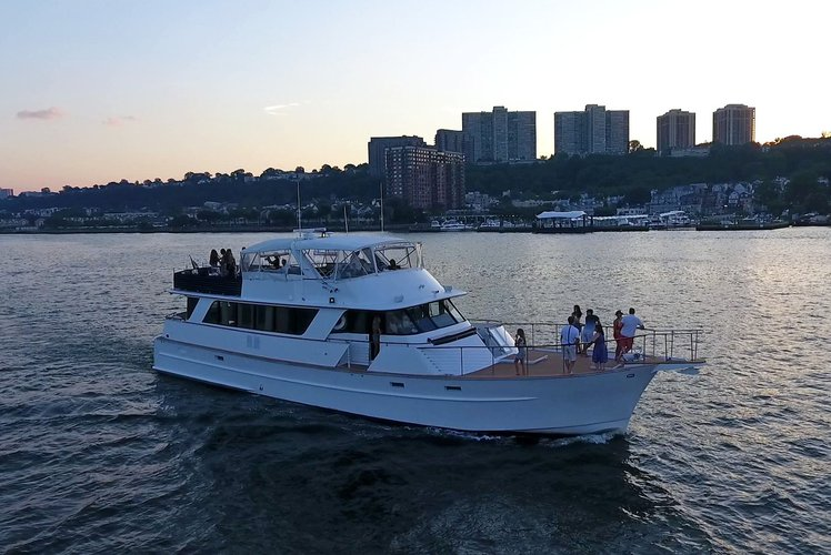 NYC area Luxury Yacht - certified for up to 30 guests!