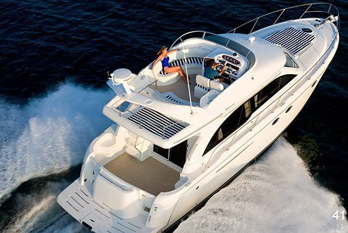 Luxury Yacht Experience: Travel in Luxury and Exquisite Style with VIP Treatment on Fully Loaded 46ft Yacht for Open Sea Expeditions