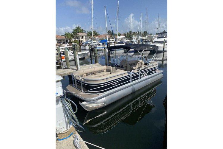 Pontoon Boat rental Party barge  24 ft Brand new 2020 fast  Hollywood,Miami, SunnyIsles,  Halouver sandbar