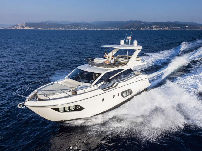 Jump aboard this beautiful Absolute Yachts Absolute 50 Fly