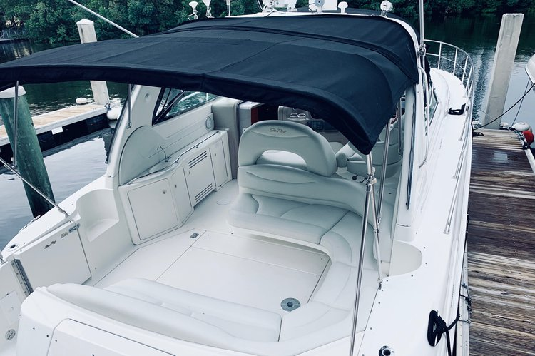 Motor yacht boat for rent in Aventura