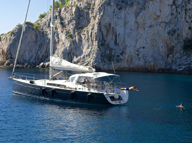 Unique experience on this beautiful Beneteau Oceanis 58