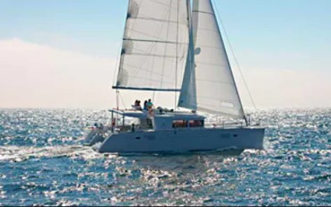 Discover Key West surroundings on this Lagoon 450 Custom boat