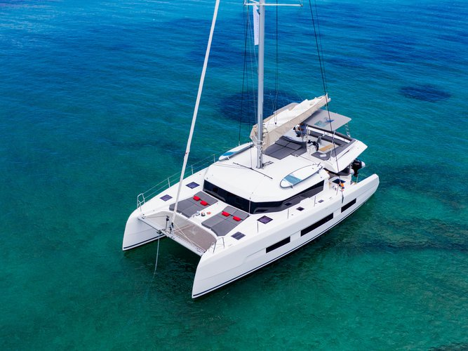 Charter this amazing Dufour Yachts Dufour 48 Catamaran in Paros, GR