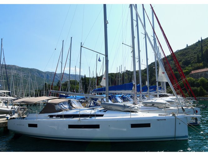 The best way to experience Dubrovnik is by sailing