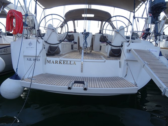 All you need to do is relax and have fun aboard the Jeanneau Sun Odyssey 469