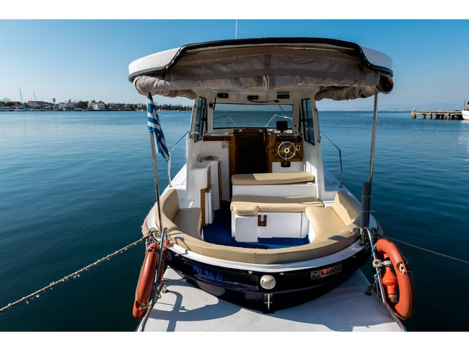 All you need to do is relax and have fun aboard the  Rasker Sloop 7.1