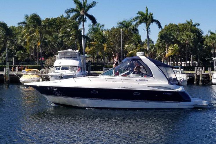 Bachelorette! Family celebration, Fun and-Adventure Awaits ! 40' Cruisers Yacht.