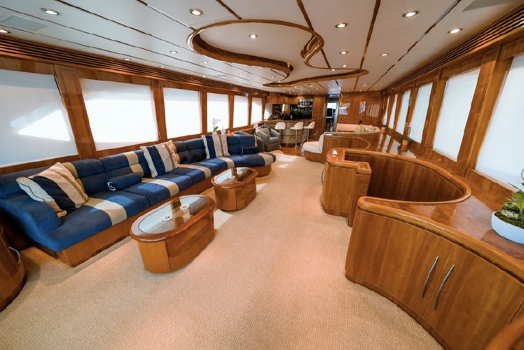 This 97.0' Hargrave cand take up to 13 passengers around Fort Lauderdale