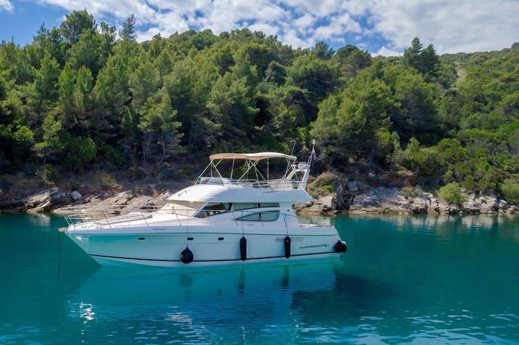 Discover Split surroundings on this Prestige 46 Jeanneau boat