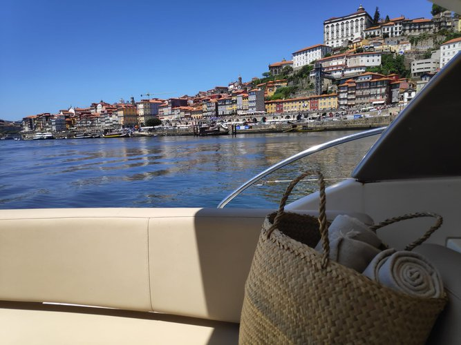 Boating is fun with a Jeanneau in Porto