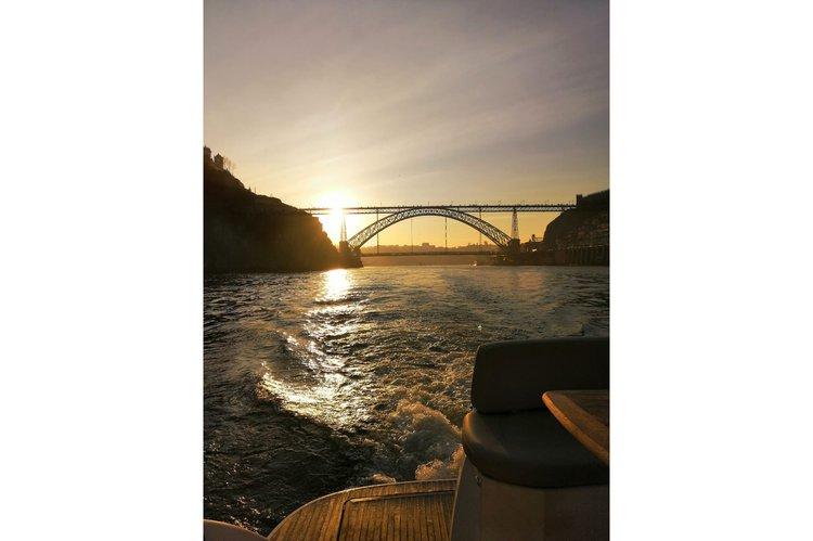 Jeanneau boat for rent in Porto