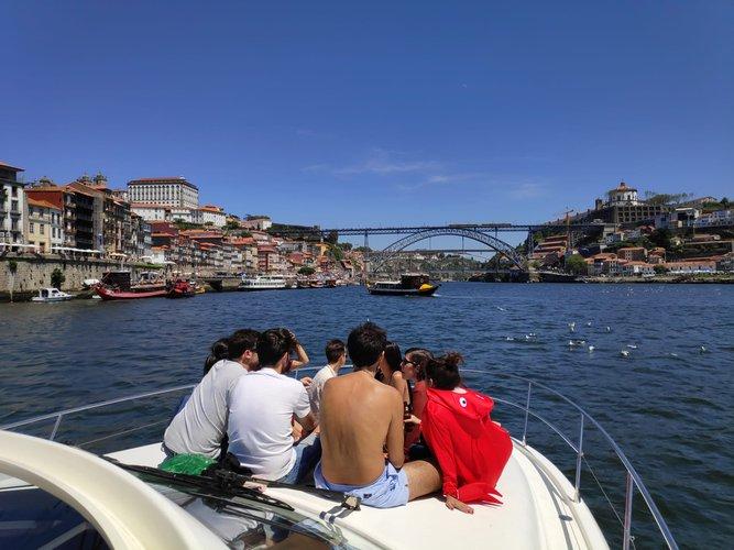 Motor yacht boat rental in Marina do Freixo, Portugal