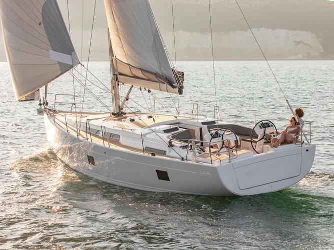 Jump aboard this beautiful Hanse Yachts Hanse 458