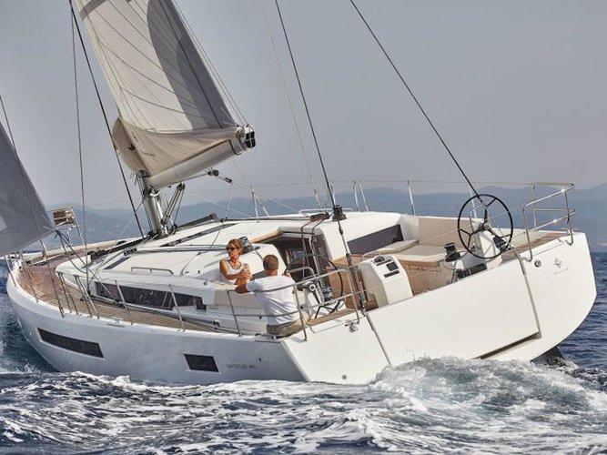 Beautiful Jeanneau Sun Odyssey 490 ideal for sailing and fun in the sun!