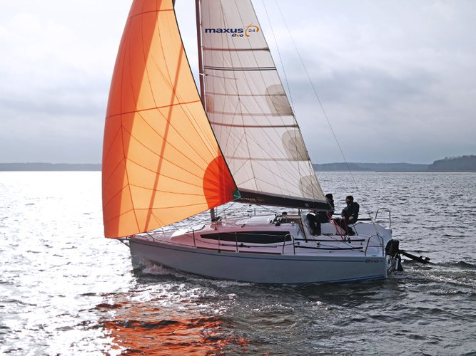 Get on the water and enjoy Wilkasy in style on our Northman Shipyard Maxus Evo 24 Prestige +