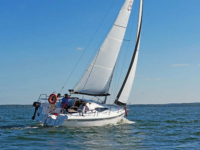 Hop aboard this amazing sailboat rental in Wilkasy!