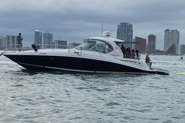 44' SEA RAY  FOR 12 PEOPLE, LIVE YOUR BEST MOMENT