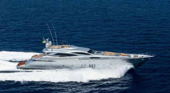 This yacht rental is perfect to enjoy France