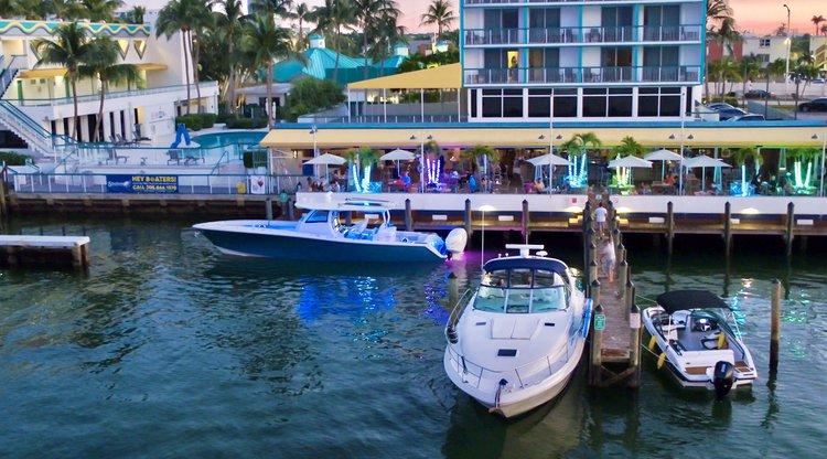 SeaRay's 46.0 feet in Miami