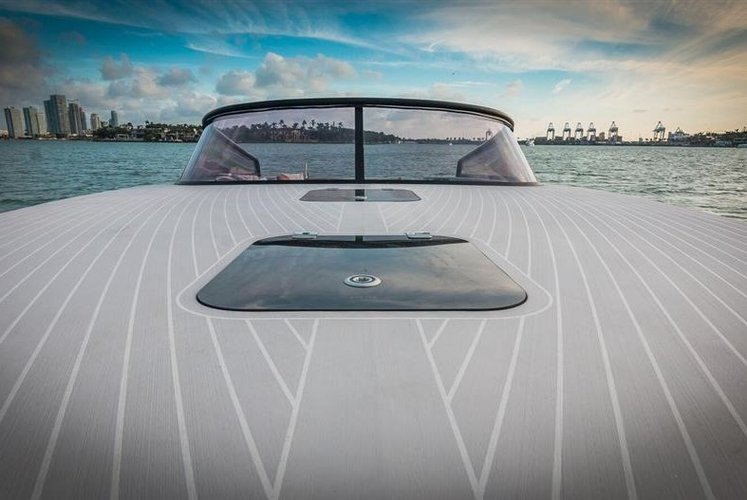 Van Dutch's 40.0 feet in Miami Beach