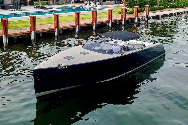 Boat for rent Van Dutch 40.0 feet in Bill Bird Marina - Haulover Beach Park, FL