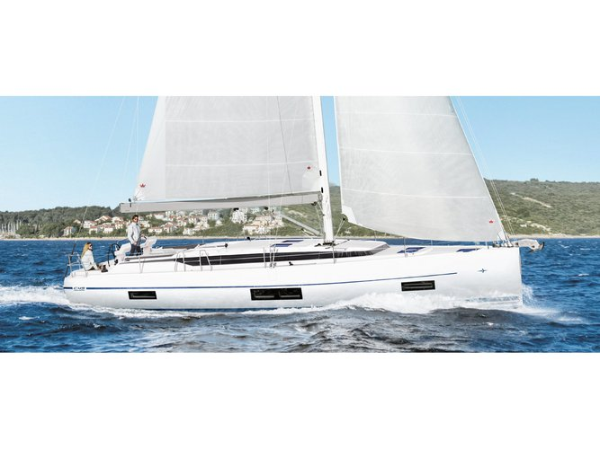 The best way to experience Palma de Mallorca is by sailing