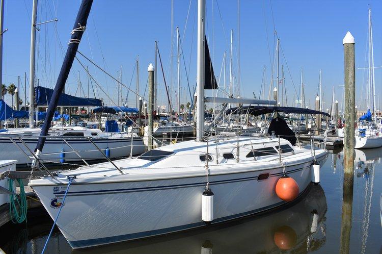 Set sail on this Catalina 32!