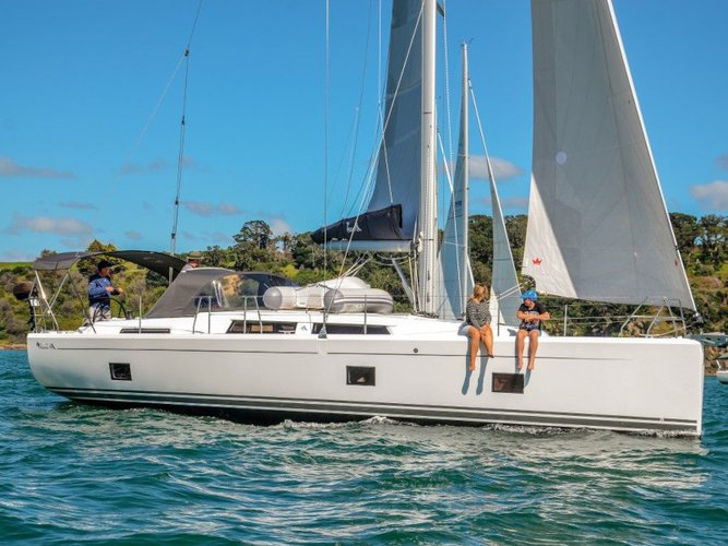 Get on the water and enjoy Paros in style on our Hanse Yachts Hanse 418