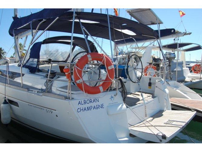 The best way to experience Palmeira is by sailing