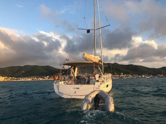 40.77 feet Oceanis in great shape