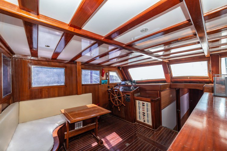 This 65.0' WOODEN cand take up to 8 passengers around Fethiye