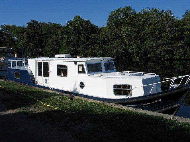 Beautiful  EuroClassic 135 ideal for cruising and fun in the sun!