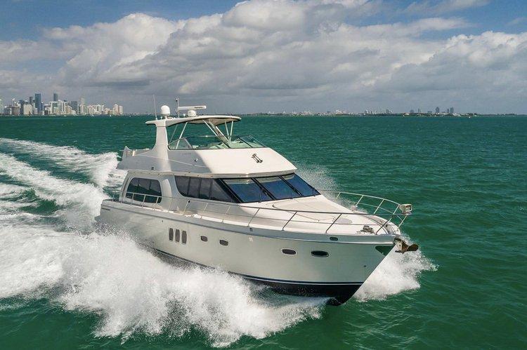 Carver's 60.0 feet in Miami Beach