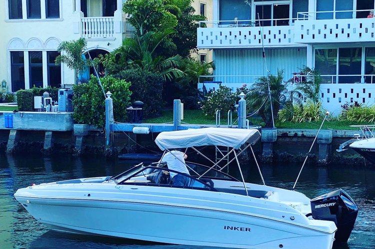 Rinker's 23.0 feet in Fort Lauderdale