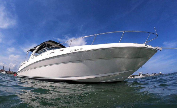 38' Sea Ray Yacht in Miami. The price includes your Captain and fuel!