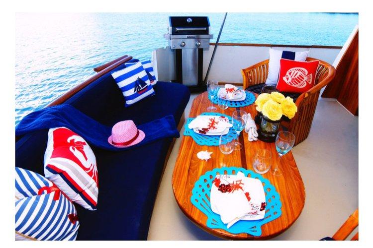 Boat for rent commander 45.0 feet in shuckers, FL