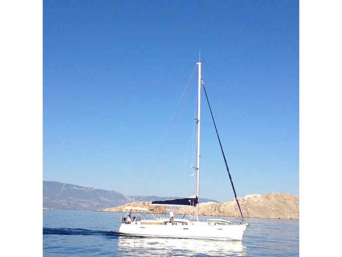 Get on the water and enjoy Preveza in style on our Beneteau Oceanis 43