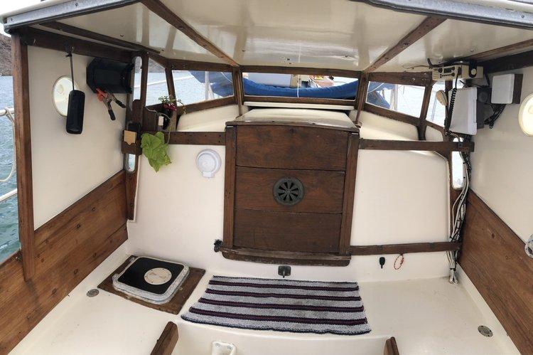 Discover La Paz, BCS surroundings on this Triton Pearson boat
