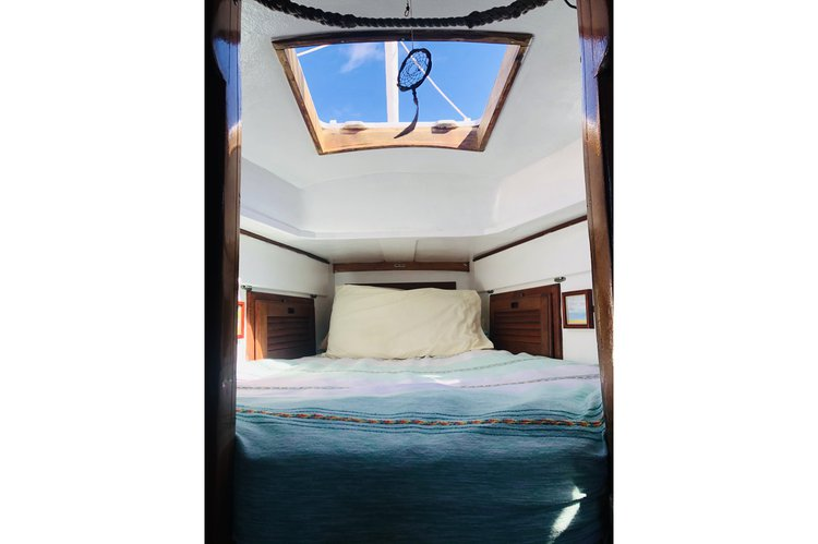 Cruiser boat for rent in La Paz, BCS