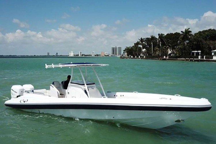 Boating is fun with a Azimut in Key West