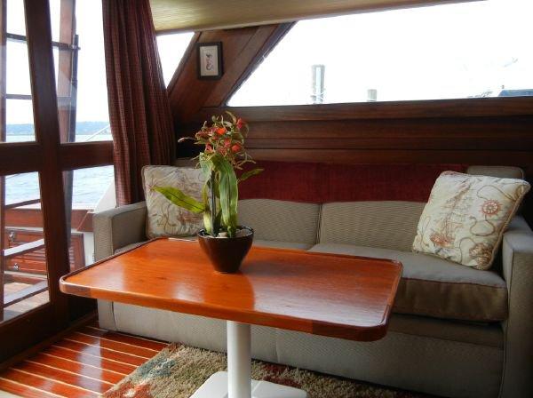 Motor yacht boat rental in Cornettas, NY