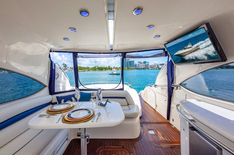 This 60.0' SunSeeker cand take up to 12 passengers around North Bay Village