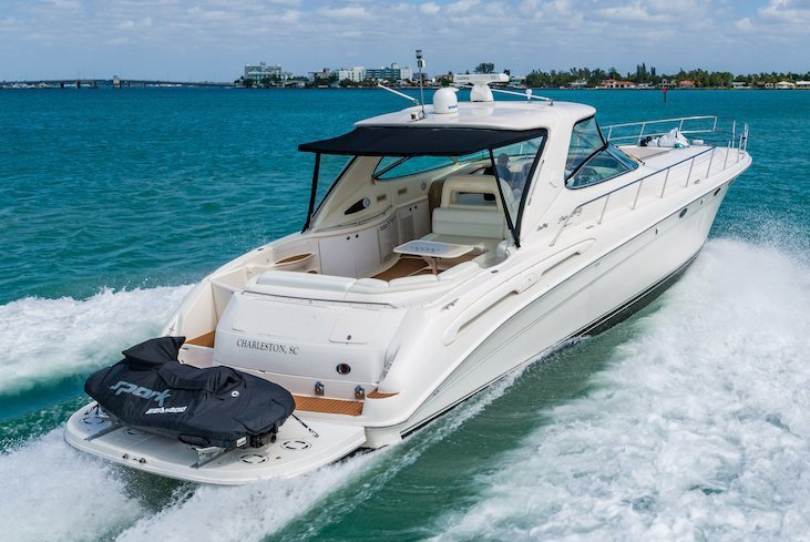 This 58.0' SeaRay cand take up to 12 passengers around North Bay Village