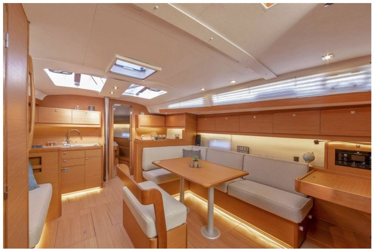 Up to 10 persons can enjoy a ride on this Dufour boat