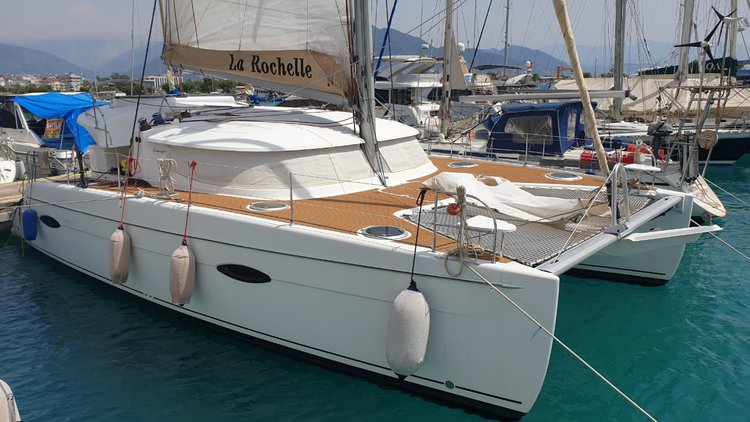 Discover Antalya surroundings on this Lipari 41 Fountaine Pajot boat