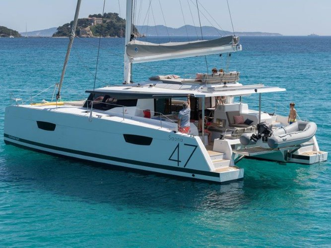This sailboat charter is perfect to enjoy