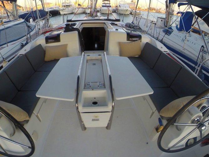 Cockpit table