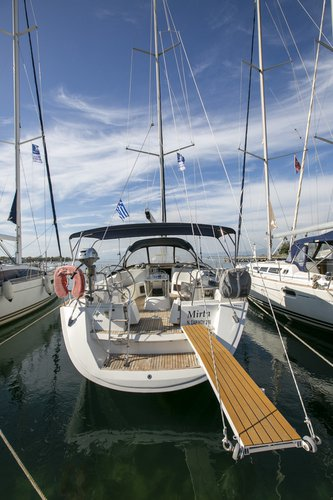 Take this Jeanneau Sun Odyssey 49i for a spin!